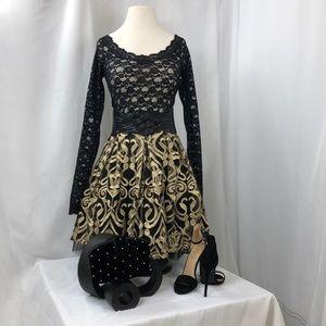 Black/Gold medium Romeo + Juliet skirt